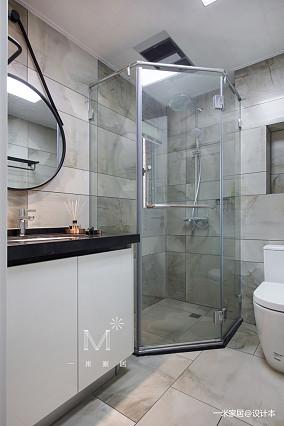 大气127平现代三居卫生间装修装饰图三居现代简约家装装修案例效果图