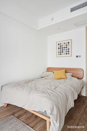优雅104平北欧三居卧室设计图