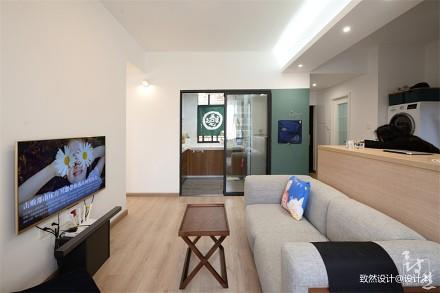 浪漫64平现代二居客厅装饰图