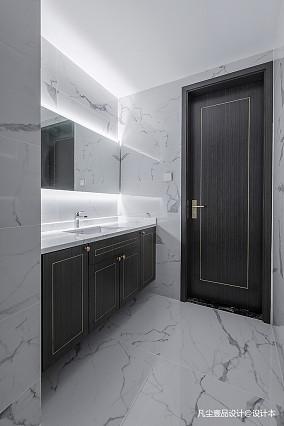 精美143平中式四居卫生间装修设计图