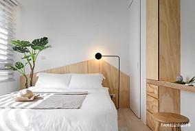浪漫32平北欧小户型卧室案例图