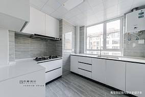 明亮71平现代三居厨房装修美图