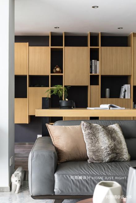 大气139平现代四居书房设计效果图
