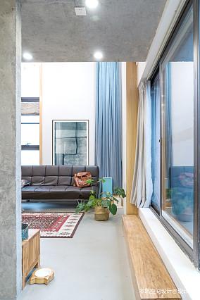 轻奢78平LOFT复式客厅实景图片