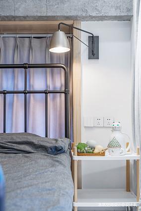 优美60平LOFT复式卧室装修图