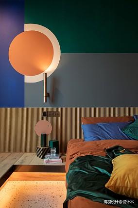 精致90平混搭二居卧室装修美图