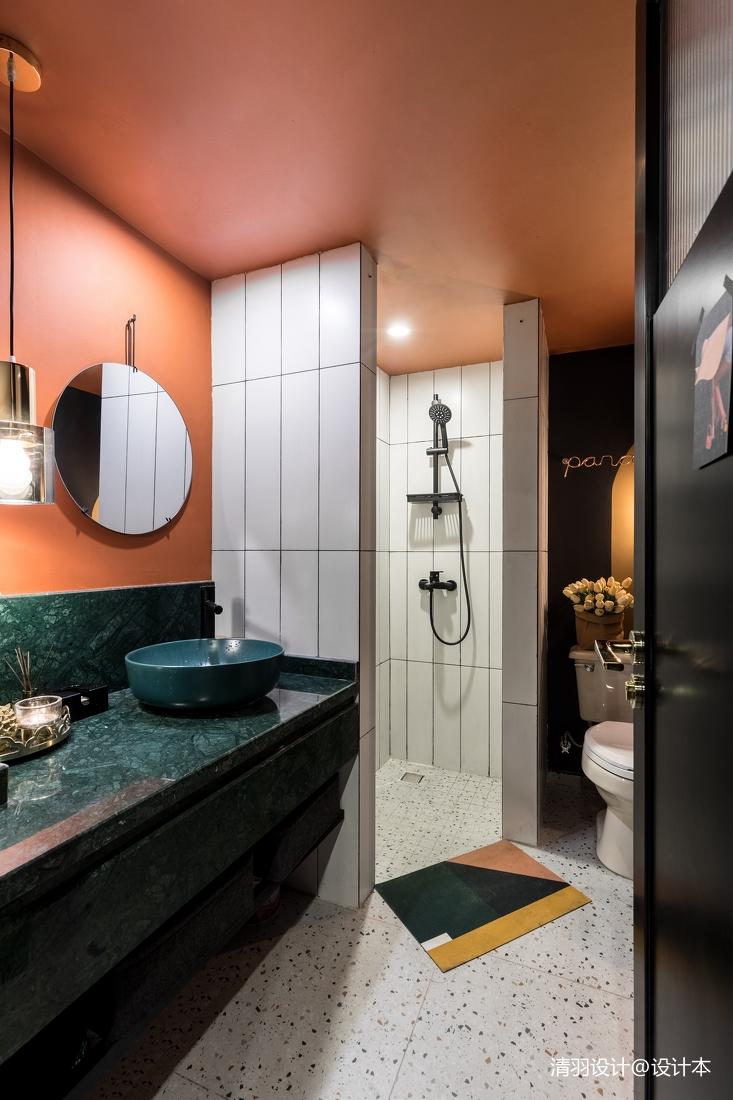 温馨76平混搭二居客厅装修效果图卫生间瓷砖潮流混搭卫生间设计图片赏析