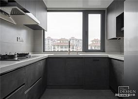 精美111平现代三居厨房装修图