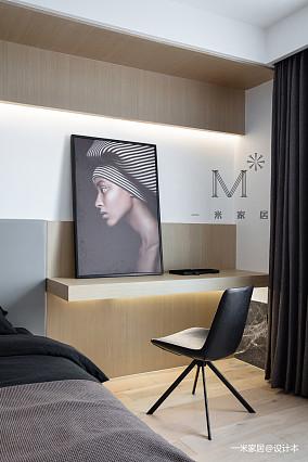 180㎡现代简约卧室书桌设计
