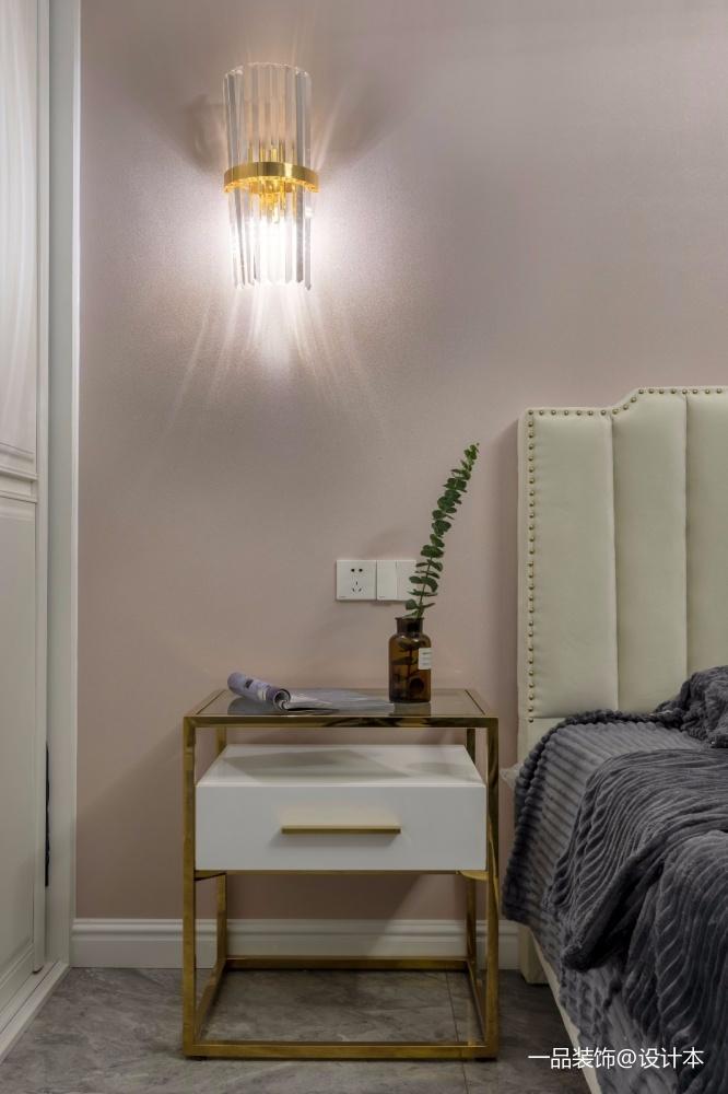 年轻化混搭风卧室壁灯实景图卧室床头柜潮流混搭卧室设计图片赏析