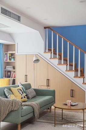 简约清新北欧楼梯储物柜设计