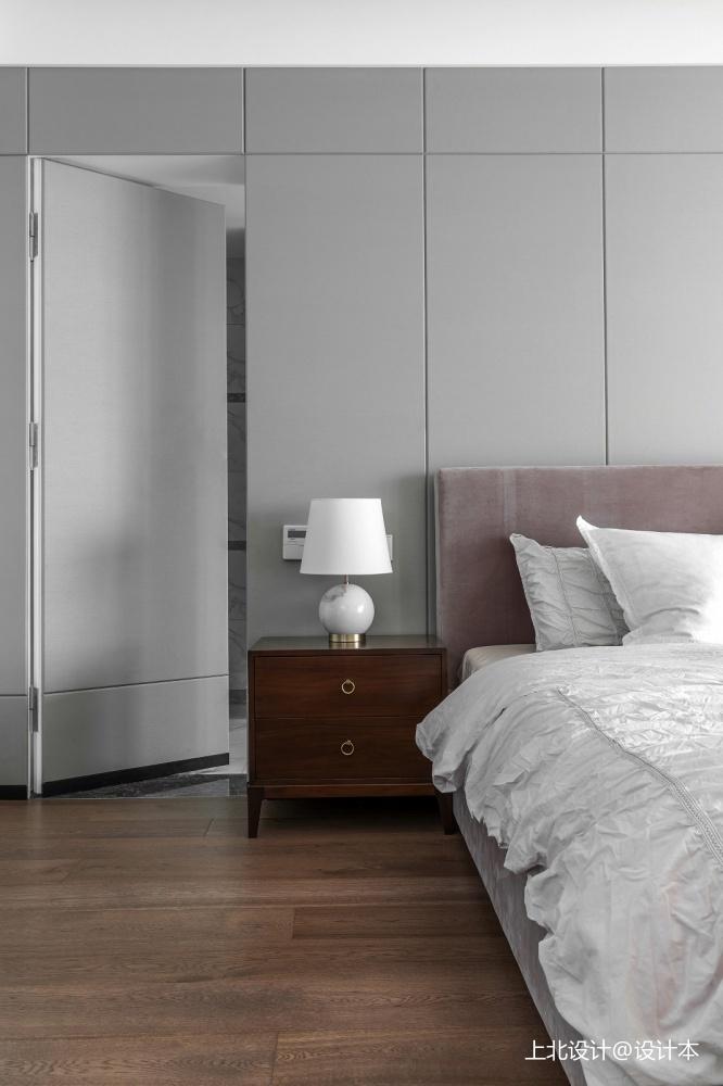 四居中式风主卧隐形门设计卧室中式现代卧室设计图片赏析