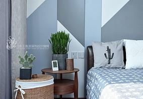 现代风格三居卧室床头柜设计