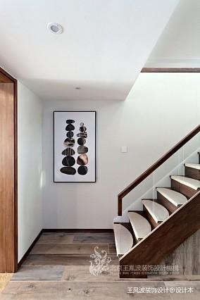 现代风格三居楼梯间设计