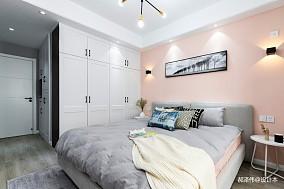 北欧风三居主卧室实景设计卧室北欧极简设计图片赏析
