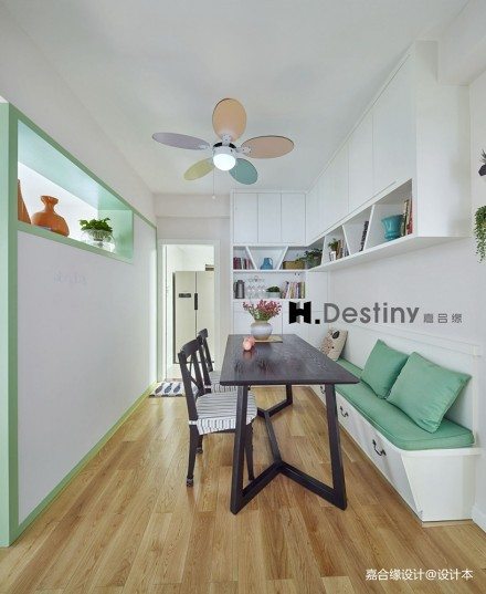 旧房里的新色彩,点缀温馨厨房