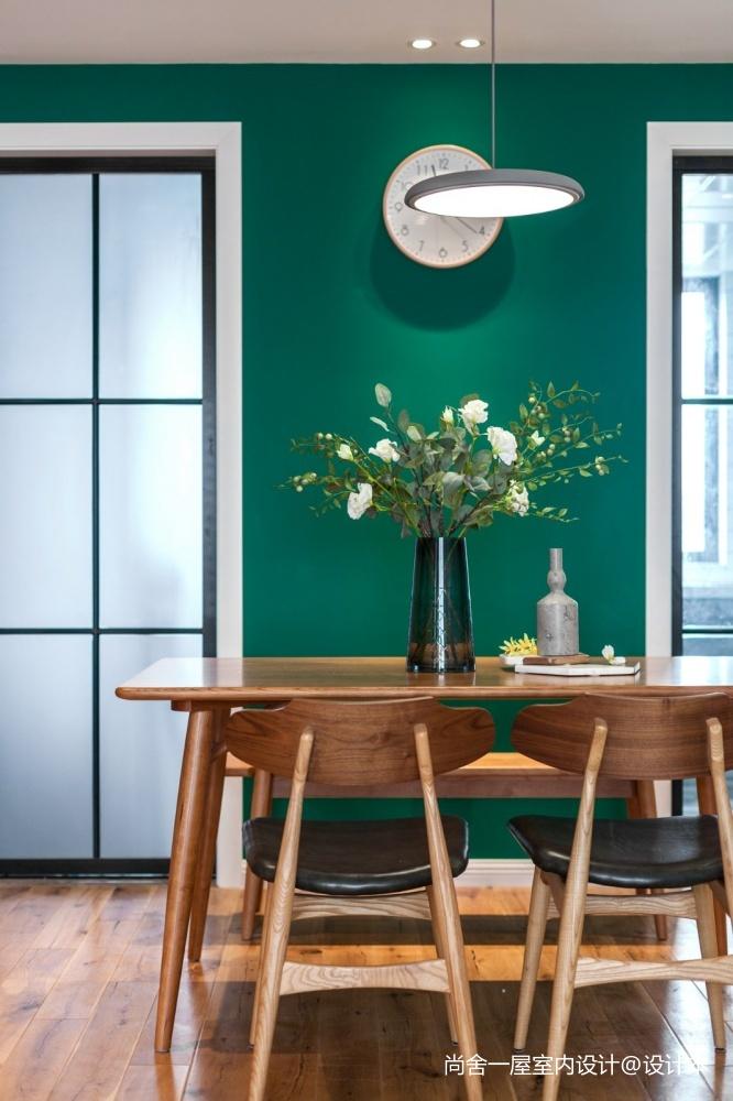 老师的家全面墙书柜客厅+隐形门设计厨房现代简约餐厅设计图片赏析