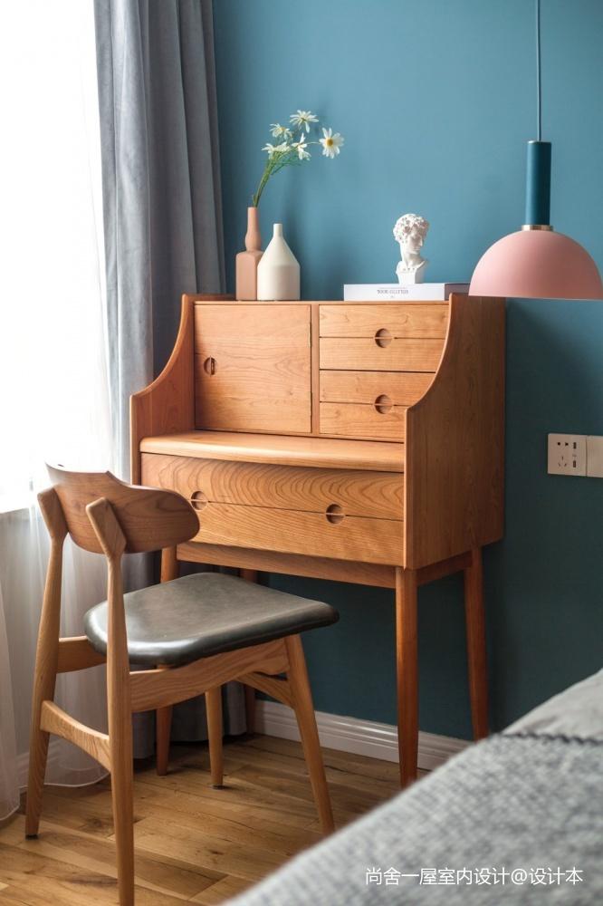 老师的家全面墙书柜客厅+隐形门设计卧室现代简约卧室设计图片赏析