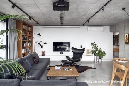波兰工业风顶层公寓_3850549