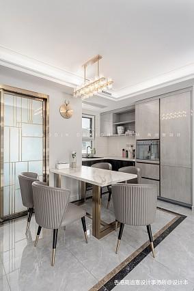 高迪愙实景|阁楼与金色的生活理想厨房设计图片赏析