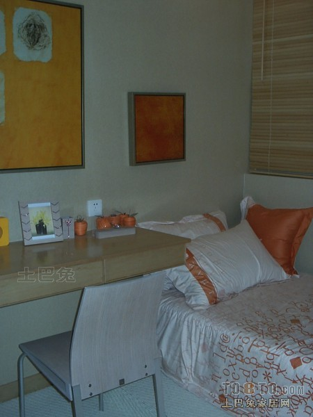 典雅90平混搭二居卧室实景图卧室潮流混搭卧室设计图片赏析