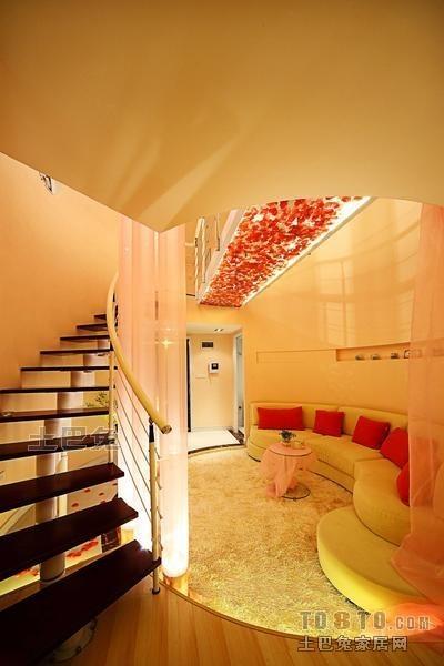 温馨65平混搭复式客厅装饰图客厅潮流混搭客厅设计图片赏析