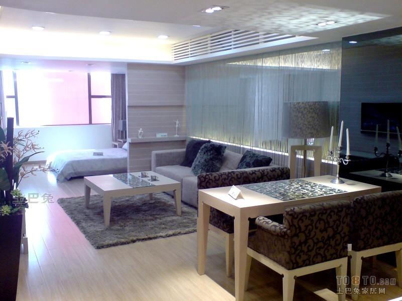 2018大小81平混搭二居客厅效果图客厅潮流混搭客厅设计图片赏析