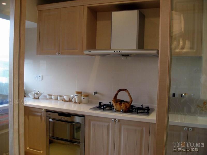 明亮90平混搭三居厨房美图餐厅潮流混搭厨房设计图片赏析