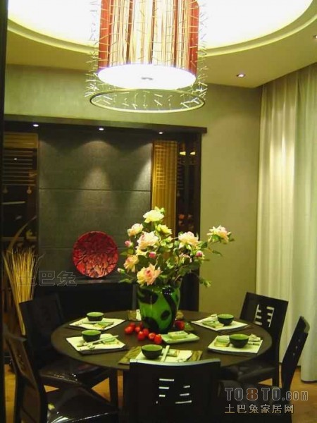 明亮75平混搭三居餐厅案例图厨房潮流混搭餐厅设计图片赏析
