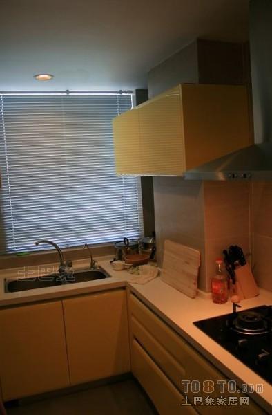 精选72平米二居厨房混搭装修效果图片餐厅潮流混搭厨房设计图片赏析