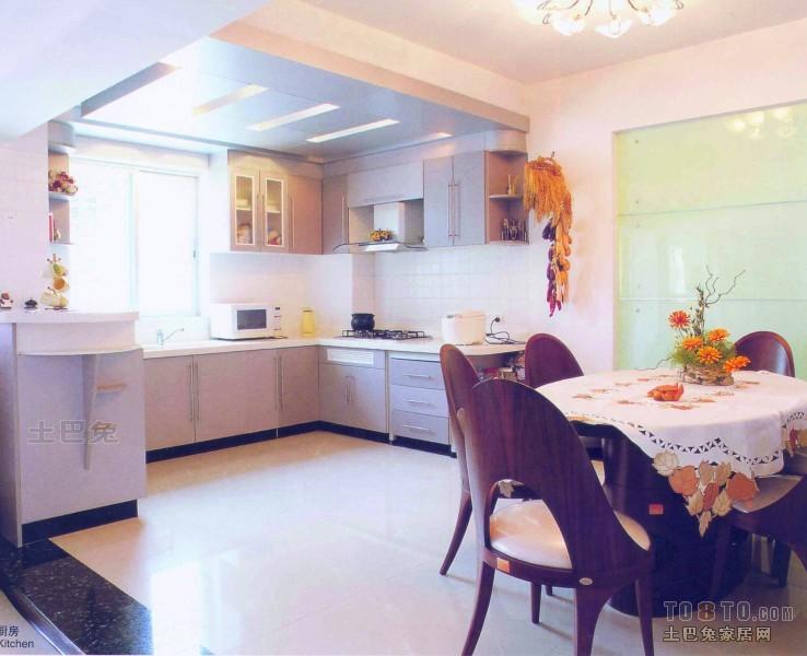 精选面积136平复式厨房混搭装修实景图片欣赏餐厅潮流混搭厨房设计图片赏析