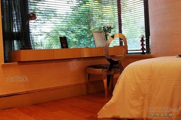 卧室8.jpg卧室潮流混搭卧室设计图片赏析