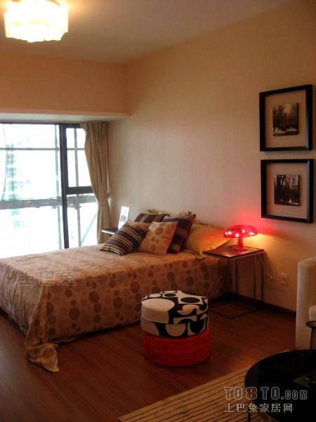 精美72平米混搭小户型卧室装修效果图片卧室潮流混搭卧室设计图片赏析