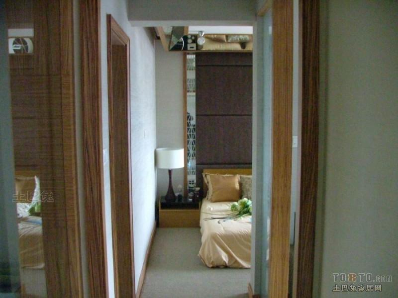 精选77平米二居卧室混搭装修设计效果图片大全卧室潮流混搭卧室设计图片赏析