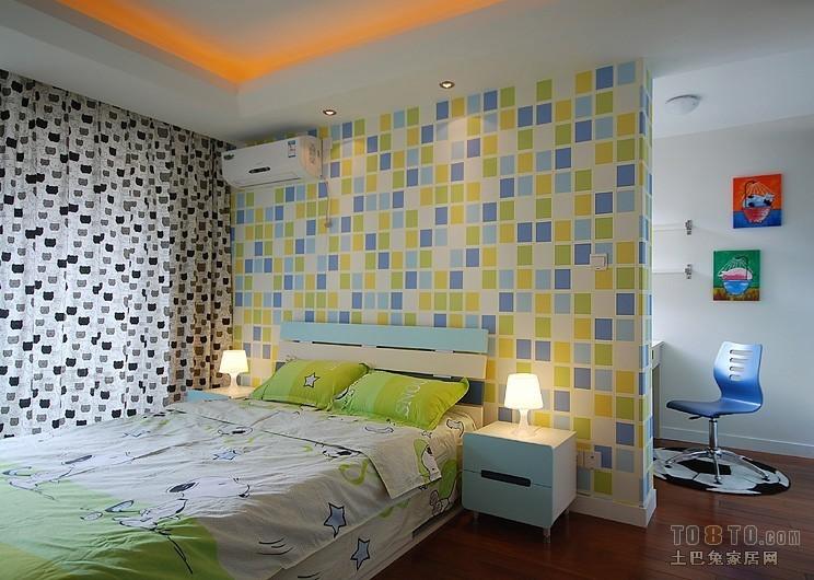 现代风格儿童房木制童床效果图卧室潮流混搭卧室设计图片赏析