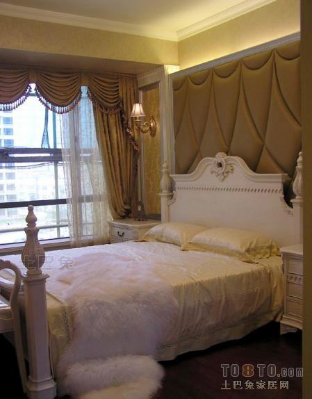 精选135平米四居卧室混搭装修效果图卧室潮流混搭卧室设计图片赏析