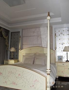 120平三室两厅两卫卧室设计