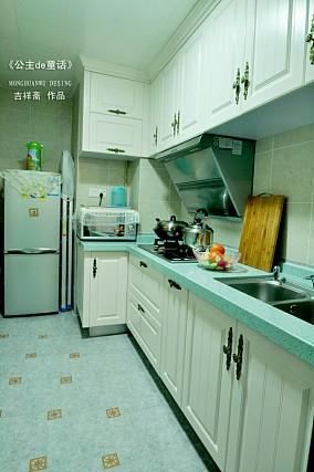 精美田园二居厨房装修图
