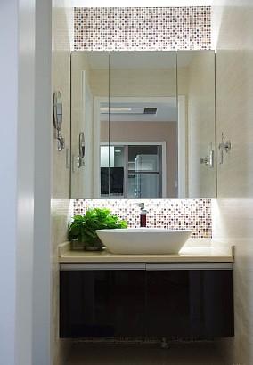 现代小户型卫生间欣赏图片