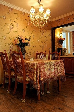 美式小餐厅吊顶效果图