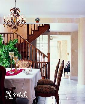 别墅实木楼梯扶手效果图