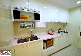 一字型家庭小厨房橱柜效果图